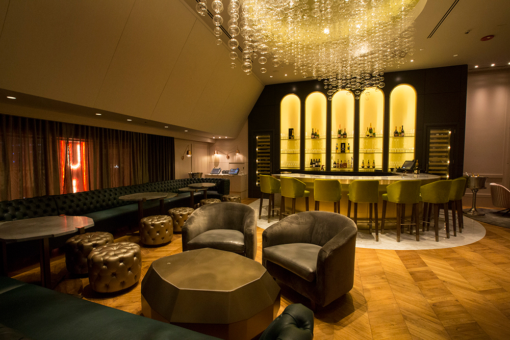 The interior of The Esquire Champagne Room on the Chicago Chic.