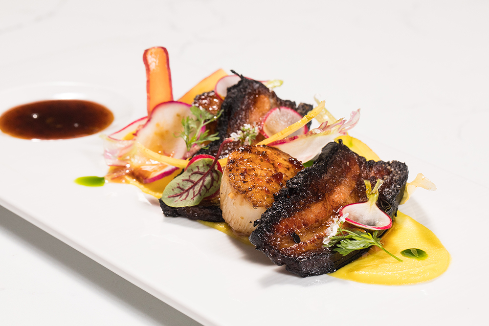 Scallops and bacon at Portsmith Chicago on the Chicago Chic by Leah Nolan.